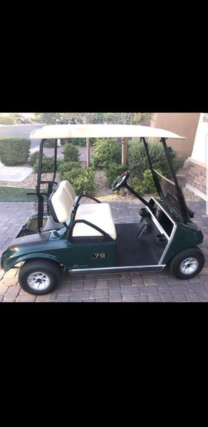 Club Car - 2009 Brand new Tires and Batteries installed 3 months ago. Battery Charger included. Great condition, runs and looks perfect. for Sale in Las Vegas, NV