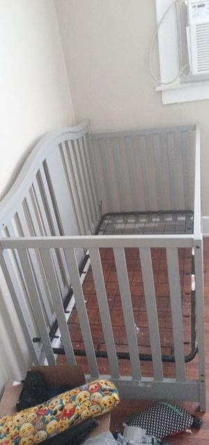 Graco convertible crib for Sale in Columbus, OH