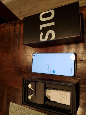 Samsung Galaxy S10 (Unlocked) - 128 GB - Prism White - Unlocked - CDMA/GSM for Sale in Tracy, CA