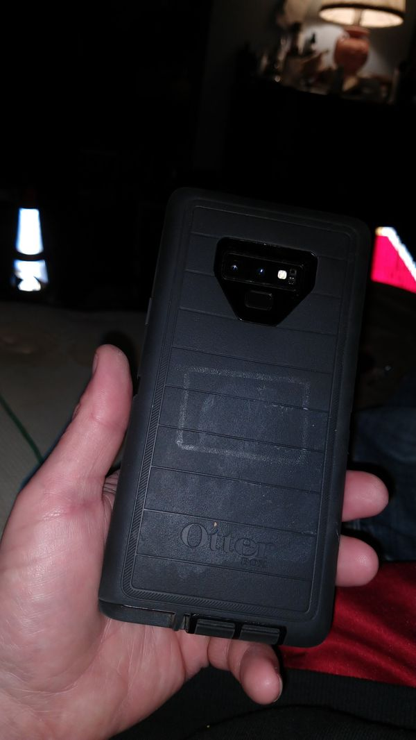 At&t Samsung Galaxy note 9 with otter box case