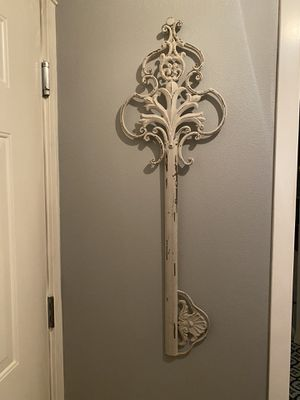 """42"""" metal farmhouse key for Sale in Lynnwood, WA"""