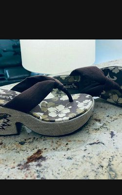 Sandals size 7 for Sale in Lehigh Acres,  FL