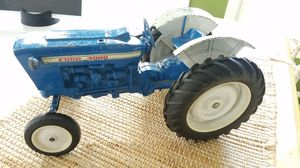 Ertl Vintage Ford 4000 Die-cast Metal Toy Tractor for Sale in Columbus, OH
