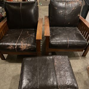 Free! Mission Style Chairs And Ottoman for Sale in Issaquah, WA