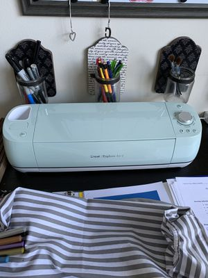 Cricut Air 2 with accessories for Sale in Tampa, FL