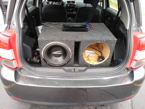 One 12 and a 2500 watt amp $100 for Sale in Buffalo, NY