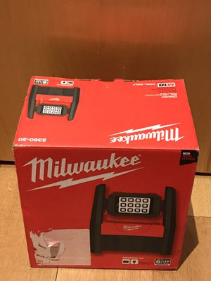 Milwaukee m18 LED WORK Light for Sale in Newark, NJ