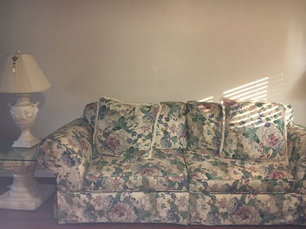 Floral couch and love seat $200