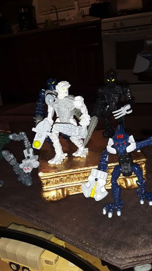 SET OF 5 BIONICLE FIGURES FROM BURGER KING 2007 TO 08 VERY CLEAN COLLECTABLE TOYS for Sale in Providence, RI