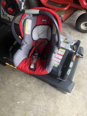 Chicco car seat and two bases for Sale in Lehigh Acres, FL