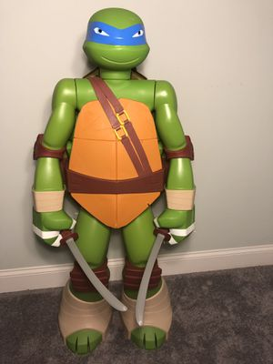 "Colossal Leonardo 48.5"" Figure with Storage & 2 Ninja Swords – Leonardo for Sale in Spring Hill, TN"