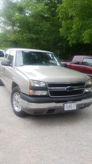 Silverado 04 ext cab 109 xxx miles truck chevy 4 door 2wd vortec 4.3 for Sale in St. Louis, MO