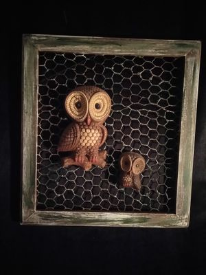 "decor primitive frame owls with chicken ware 15"" x 16"" 1/2"" tall for Sale in Philadelphia, PA"