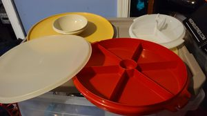 3 tupperware serving dishes for Sale in Laurel, DE