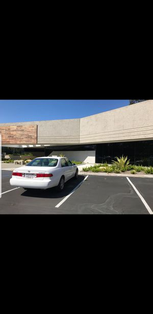 2000 Toyota Camry le (White) for Sale in San Diego, CA