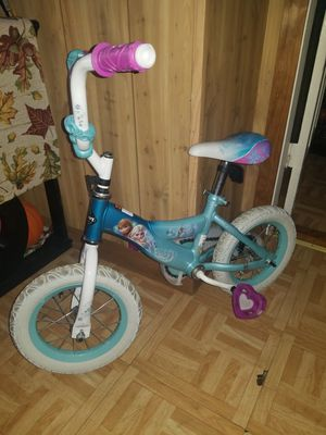 Girl bicycle for Sale in Worcester, MA