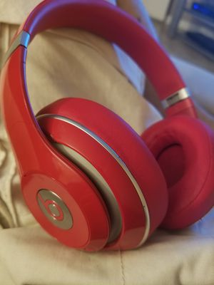Studio beats 2.0 wireless red for Sale in Houston, TX
