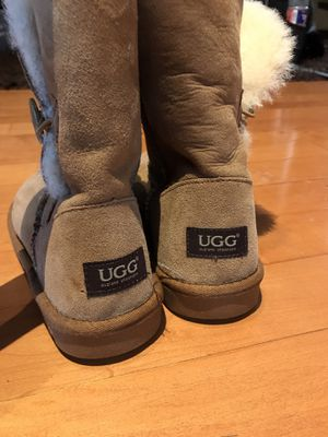Ugg boots authentic women 6 for Sale in Arlington, TX