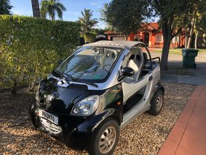 Golf cart candy coco street legal 35 miles per hour for Sale in Hialeah, FL