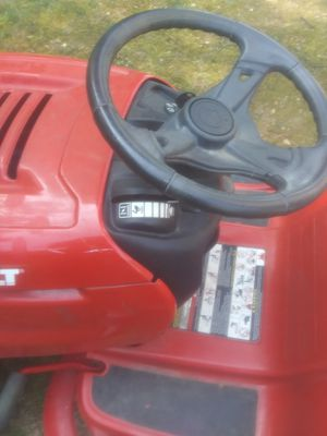 7 speed pony lawn tractor for Sale in Mineral, VA
