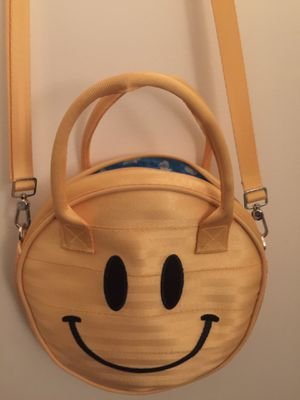 Harveys Seatbelt Bag Happy/Sad Circle Bag for Sale in Garden Grove, CA
