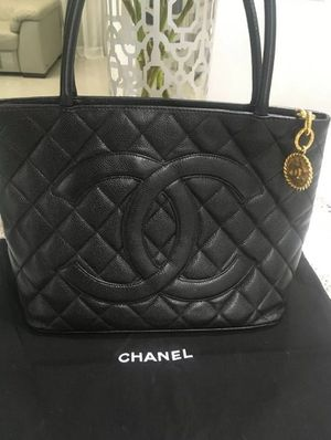 CHANEL Classic Style tote bag caviar skin black gold Metal parts for Sale in Dallas, TX