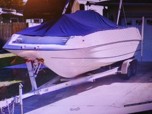 2002 Regal deck boat center console 22 ft Destiny 2110 for Sale in Riverview, FL