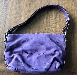 Coach purse - purple for Sale in Puyallup, WA