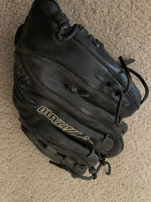 Softball glove, for Sale in Manteca, CA