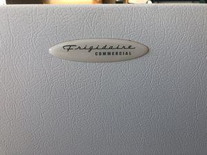 Commercial freezer Frigidaire 12cu.ft for Sale in Phoenix, AZ