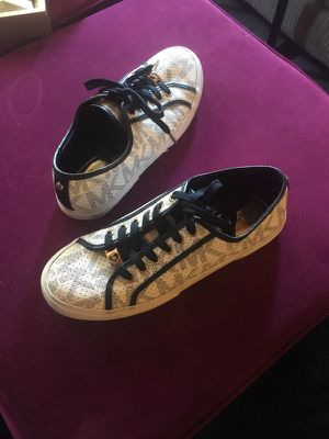 Michael Kors Shoes Size 8 for Sale in St. Louis, MO