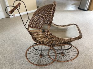 Antique Baby Doll Carriage for Sale in UPR MAKEFIELD, PA