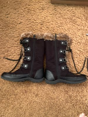 Winter boots girls size 1M with faux fur black for Sale in Beaverton, OR