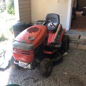 Scott's Lawn Tractor for Sale in Chattanooga, TN
