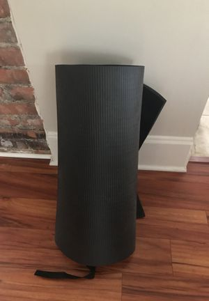 Black Valeo Yoga Mat for Sale in Cleveland, OH