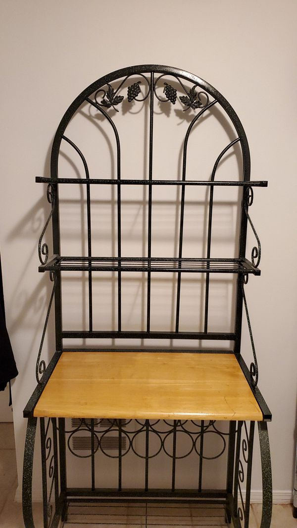 Bakers rack shelf with wine storage