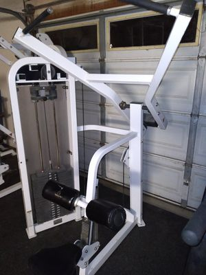 Life fitness lat pull down for Sale in Corona, CA