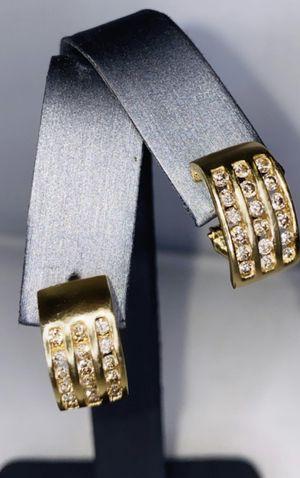 WOMENS GOLD DIAMOND EARRINGS for Sale in Palm Desert, CA