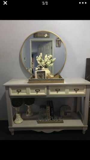 Dove / creamy Console table $85 today only for Sale in Lynwood, CA