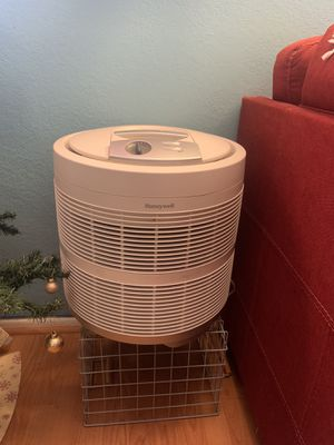 Honeywell air purifier $60 works well barely used for Sale in Azusa, CA