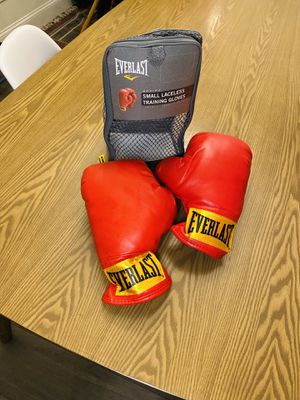 Everlast Boxing Small Laceless Training Gloves (Level 1, Red) for Sale in Belmont, CA