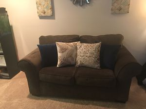 Gray love seat. for Sale in Alexandria, VA