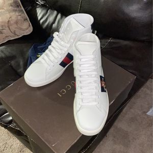 Gucci Sneakers for Sale in Waterbury, CT