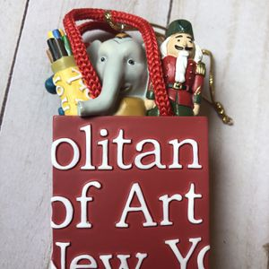 METROPOLITAN MUSEUM Of Art ornament for Sale in Miami, FL