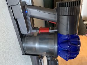 Dyson v6 cordless vacuum for Sale in Lisle, IL