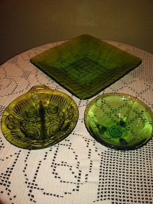 Green color antique glass dish ; bowl; plate for Sale in North Las Vegas, NV