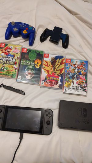 Nintendo Switch Ultimate Bundle! for Sale in Lincoln Acres, CA