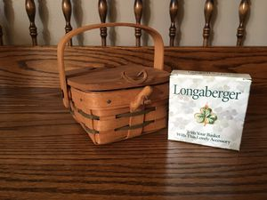 Longaberger Shamrock Basket for Sale in Crown Point, IN
