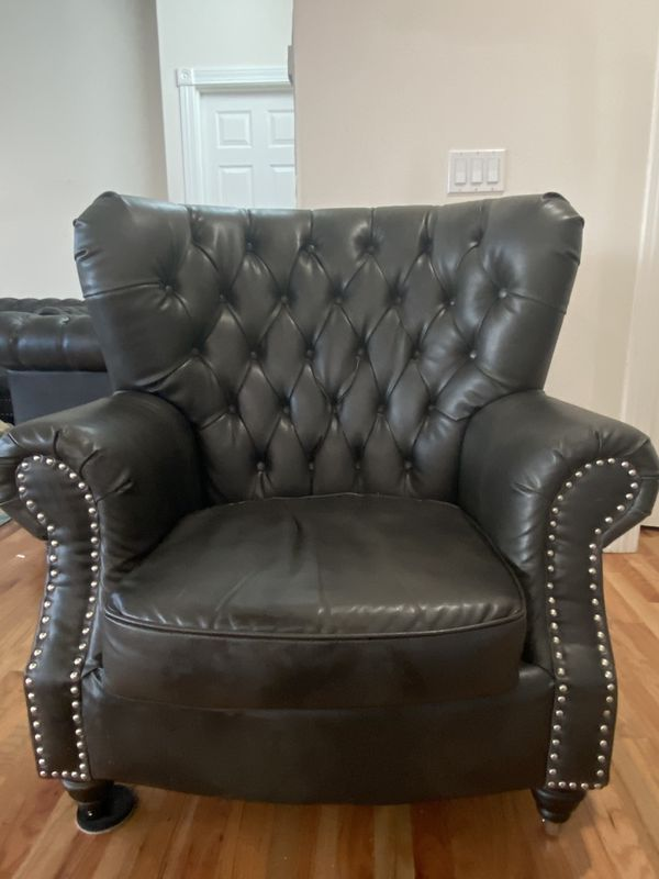 A Set Of Three Alsage Wide Faux Leather Rolled Arm Chesterfield Love Seat , Sofa And A Chair