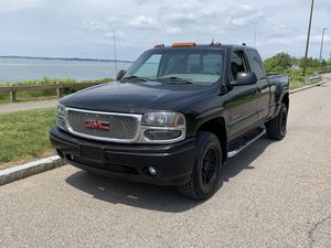 2004 GMC Sierra Denali 1500 Extended can 4x4 for Sale in Quincy, MA